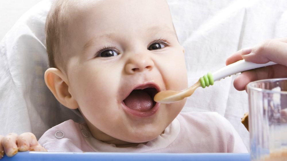 Mẹ nên thận trọng lựa chọn thức ăn dặm ít nguy cơ dị ứng cho trẻ