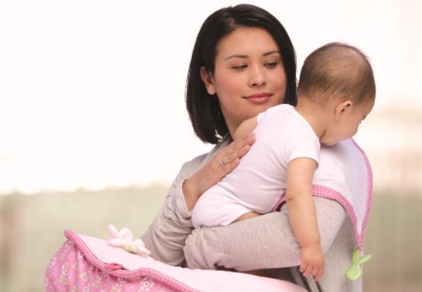 Trẻ sơ sinh không còn quấy khóc nếu mẹ biết 3 cách vỗ ợ hơi đơn giản này - Ảnh 4