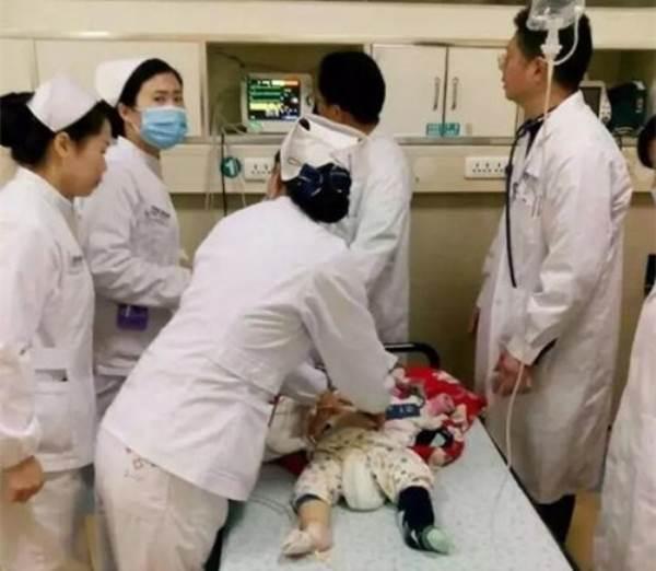 Bé sơ sinh 7 tháng tử vong vì cách đắp chăn vô ý của bố mẹ - Ảnh 1