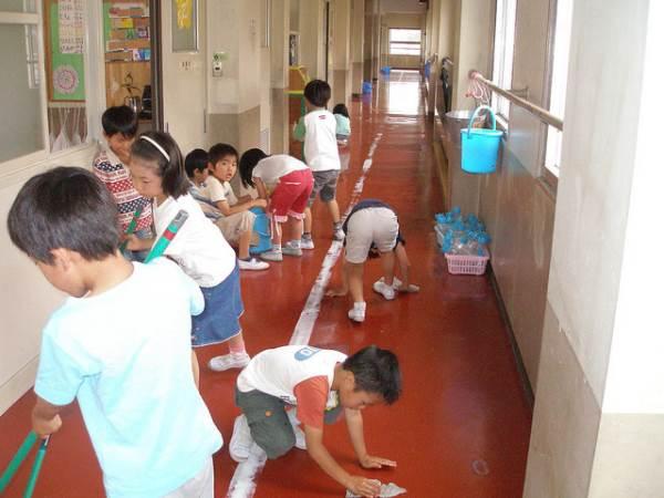 Ở các trường học Nhật Bản, người lao công không bao giờ tồn tại và đây là lý do - Ảnh 3