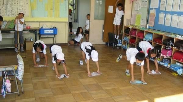 Ở các trường học Nhật Bản, người lao công không bao giờ tồn tại và đây là lý do - Ảnh 1