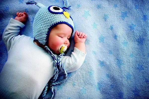 Con tự ngủ sau 7 ngày giúp mẹ nhàn tênh - Ảnh 1