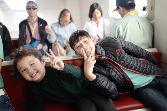 Không ngờ con trai riêng của Jennifer Phạm lại phản ứng thế này khi đi du lịch cùng gia đình mới của mẹ - Ảnh 3