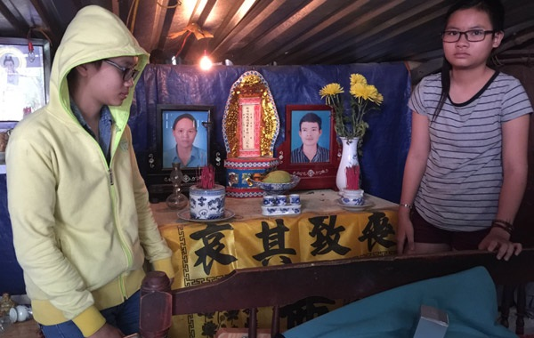 Cảnh đời bi đát của 3 chị em mồ côi cả cha lẫn mẹ trong căn lều nát giữa lòng Sài Gòn - Ảnh 3