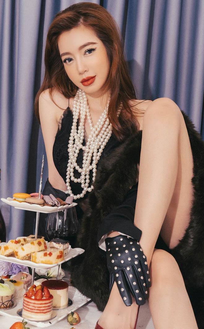 Choáng với hình ảnh Elly Trần khoe 3 vòng nóng bỏng bên bàn ăn - Ảnh 5