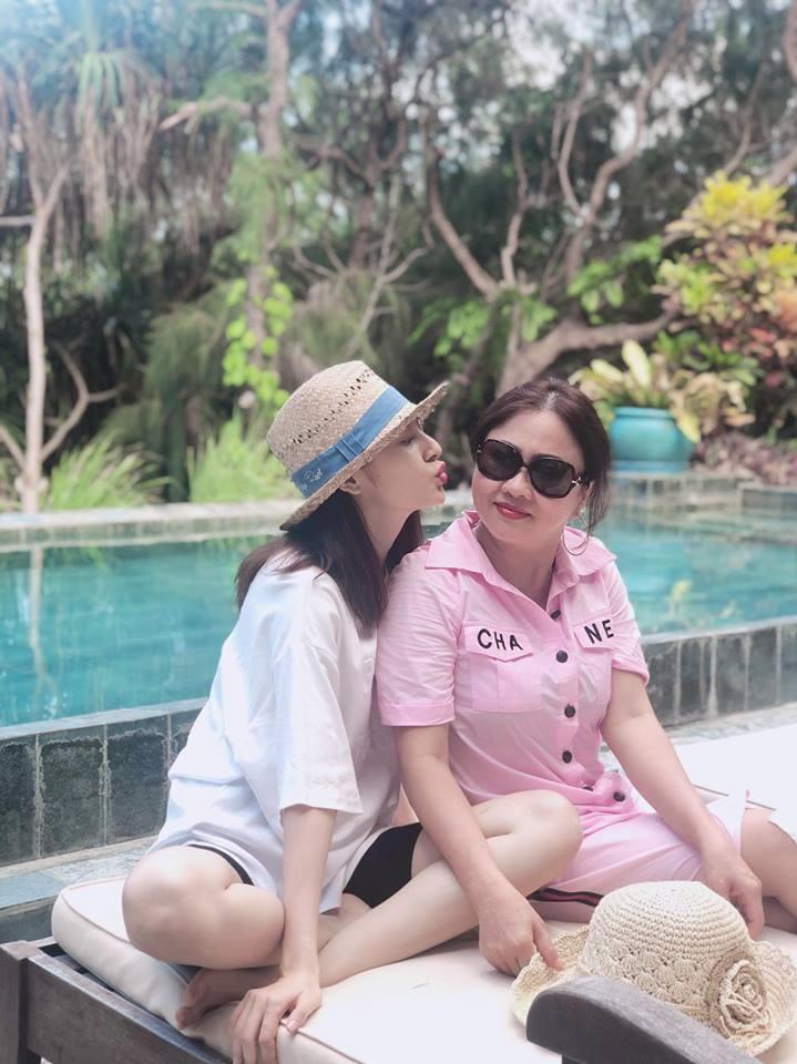 Cùng nhau check-in tại một địa điểm, Bảo Anh và Hồ Quang Hiếu đang 'yêu lại từ đầu'? - Ảnh 1