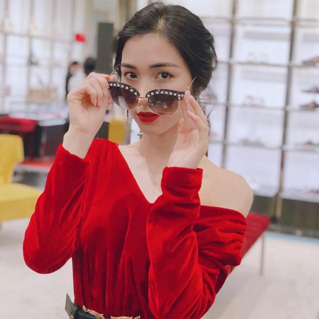 Cuộc sống những người đẹp Việt từng phải đi vay nợ - Ảnh 9