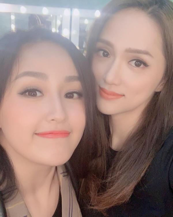 Đăng ảnh chụp cùng nhau, Mai Phương Thuý và Hương Giang được khen là giống nhau như 2 chị em sinh đôi - Ảnh 1