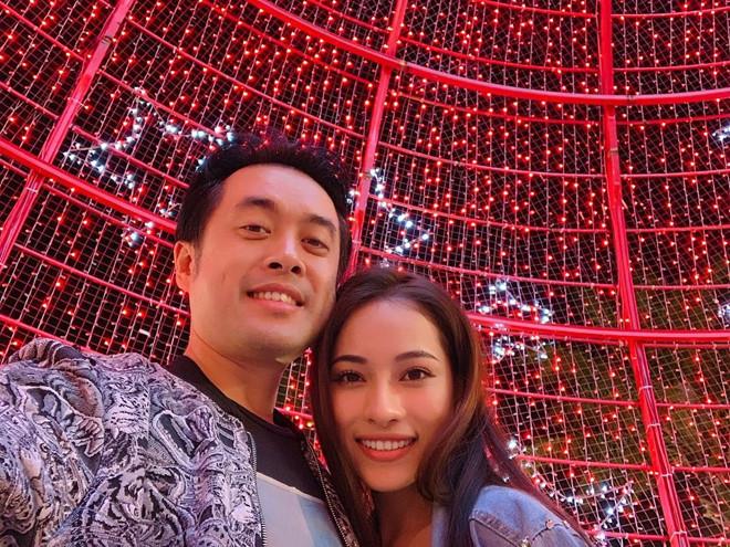 Dương Khắc Linh và bạn gái kém 13 tuổi thoải mái tình tứ trên MXH - Ảnh 3