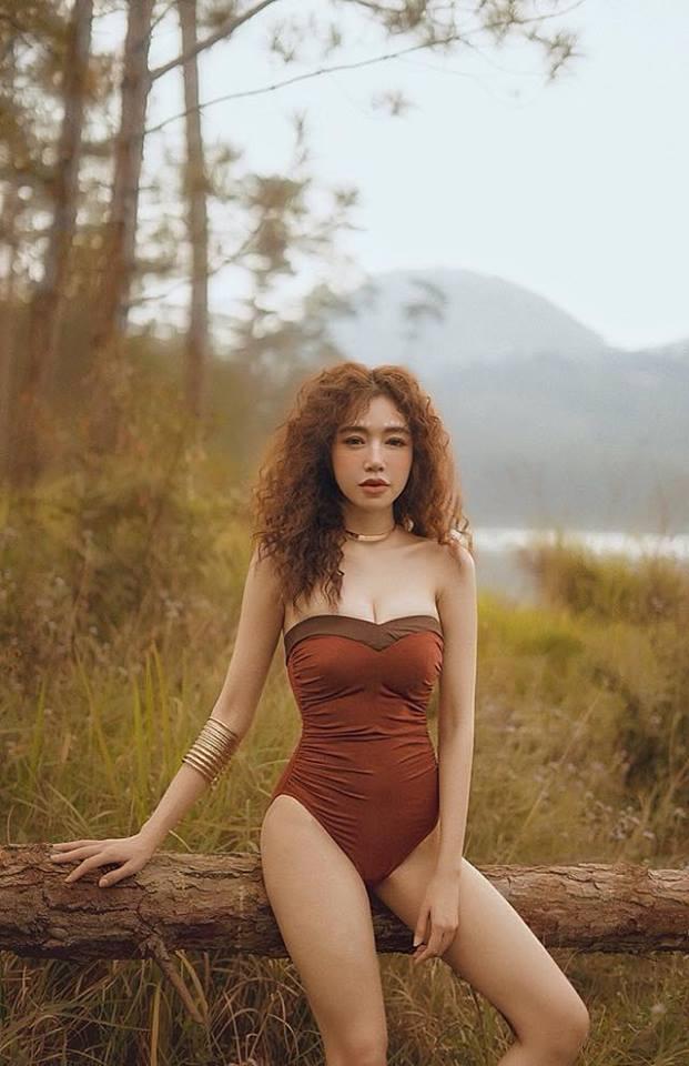 Elly Trần gợi cảm trong bộ ảnh mới, khoe vòng 2 phẳng lỳ khiến người hâm mộ không ngừng xuýt xoa - Ảnh 3