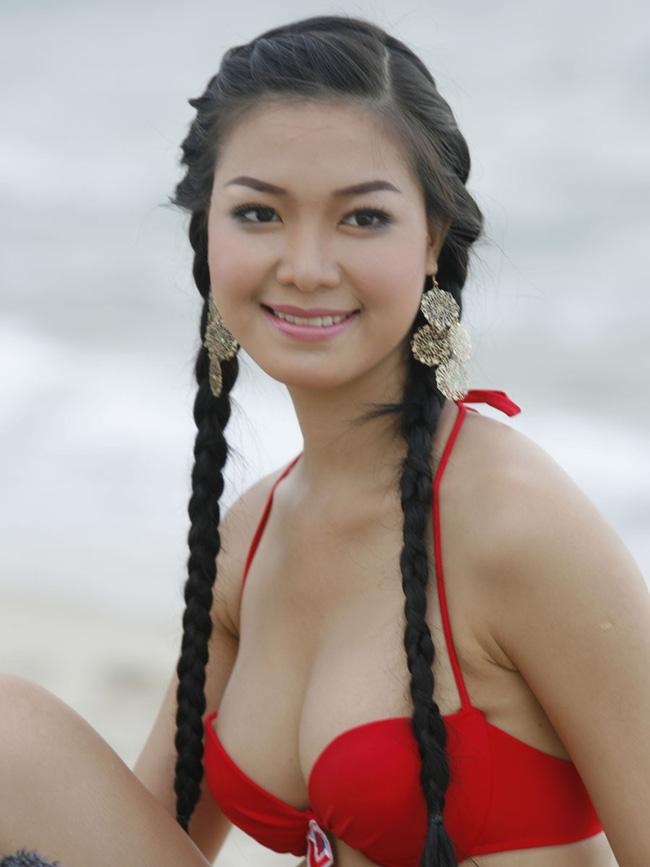 Thùy Dung của tuổi 28: Nhan sắc thăng hoa, cố gắng thoát mác 'Hoa hậu học dốt' suốt 10 năm - Ảnh 1