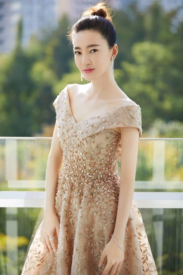 'Mỹ nữ mặt mộc đẹp nhất Trung Quốc' vào vai Đát Kỷ phiên bản mới là ai? - Ảnh 4