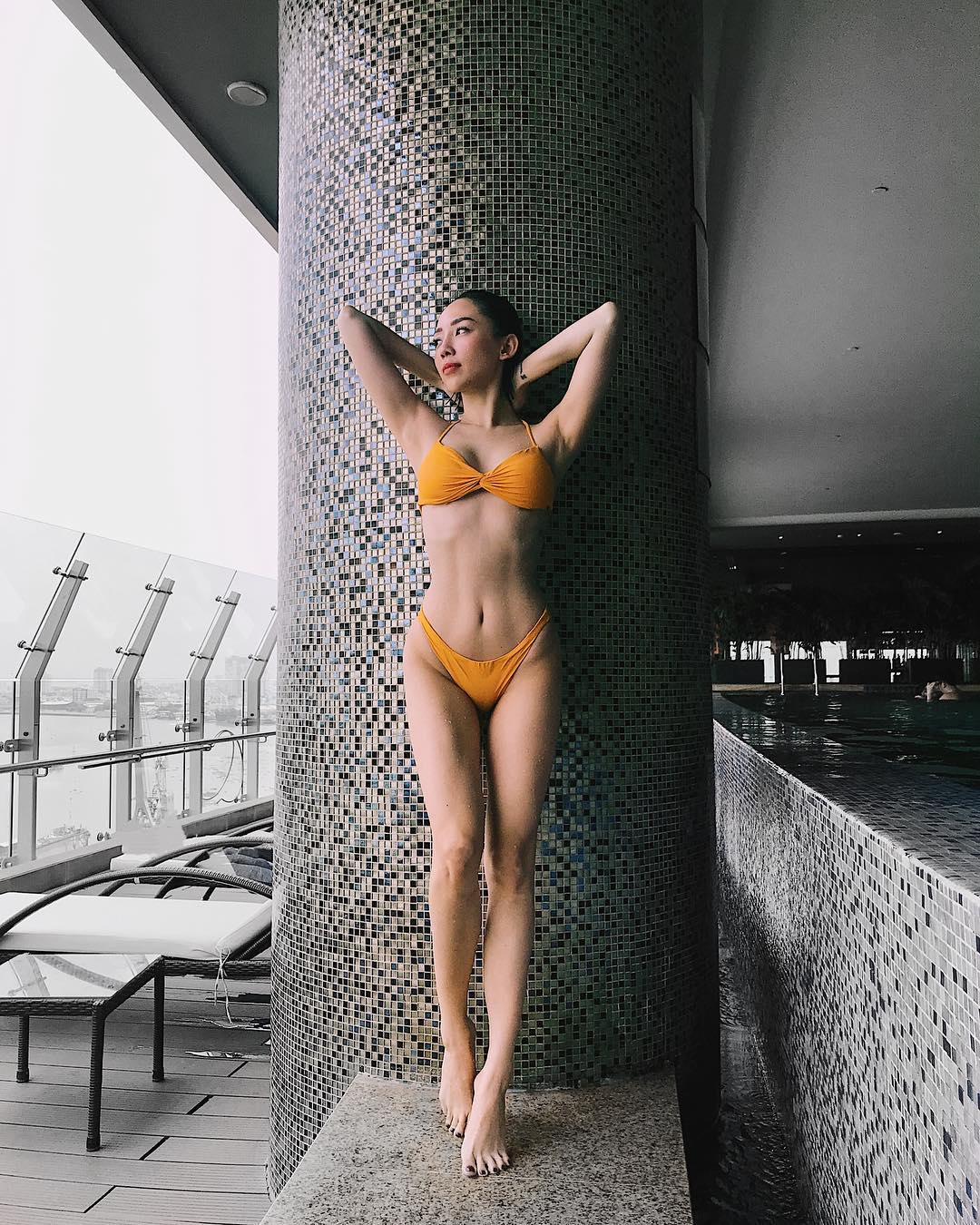 Ngoài Bích Phương, showbiz Việt còn những đôi chân 'cực phẩm' nhìn là mê - Ảnh 9