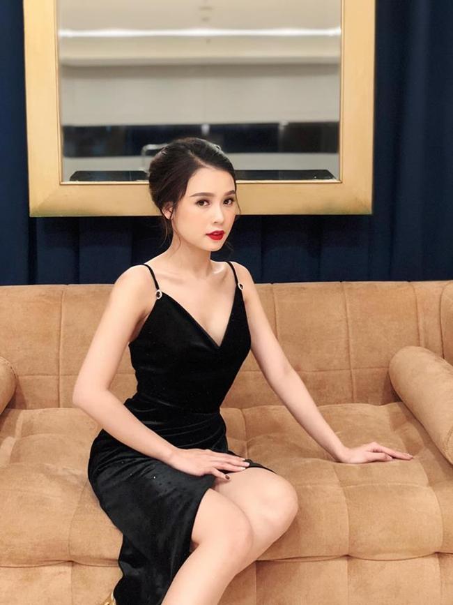 Người tình màn ảnh của Trường Giang sở hữu tài sản 50 tỷ sống thế nào? - Ảnh 9