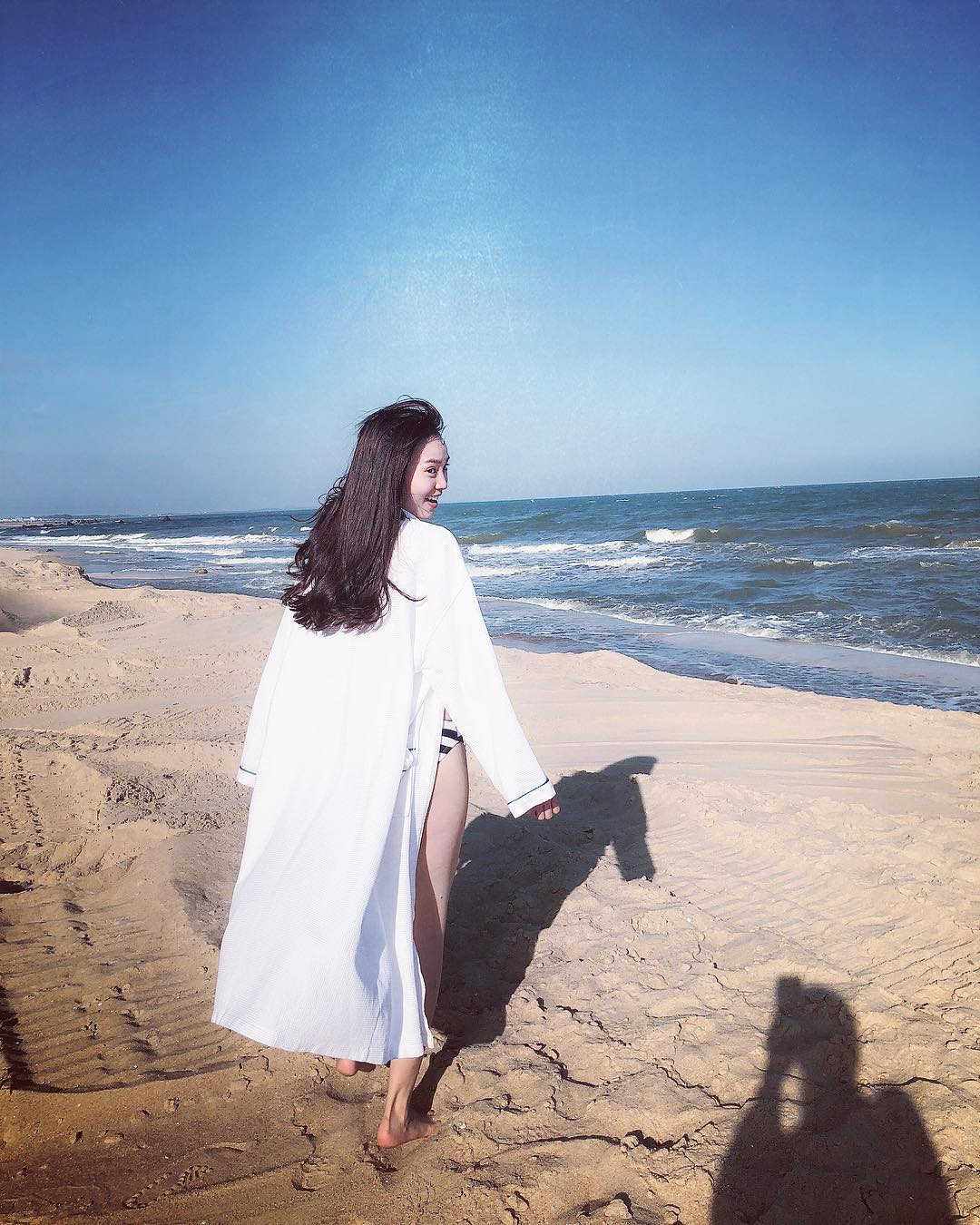 Ninh Dương Lan Ngọc chính thức gia nhập 'cuộc đua' gợi cảm của showbiz Việt - Ảnh 8