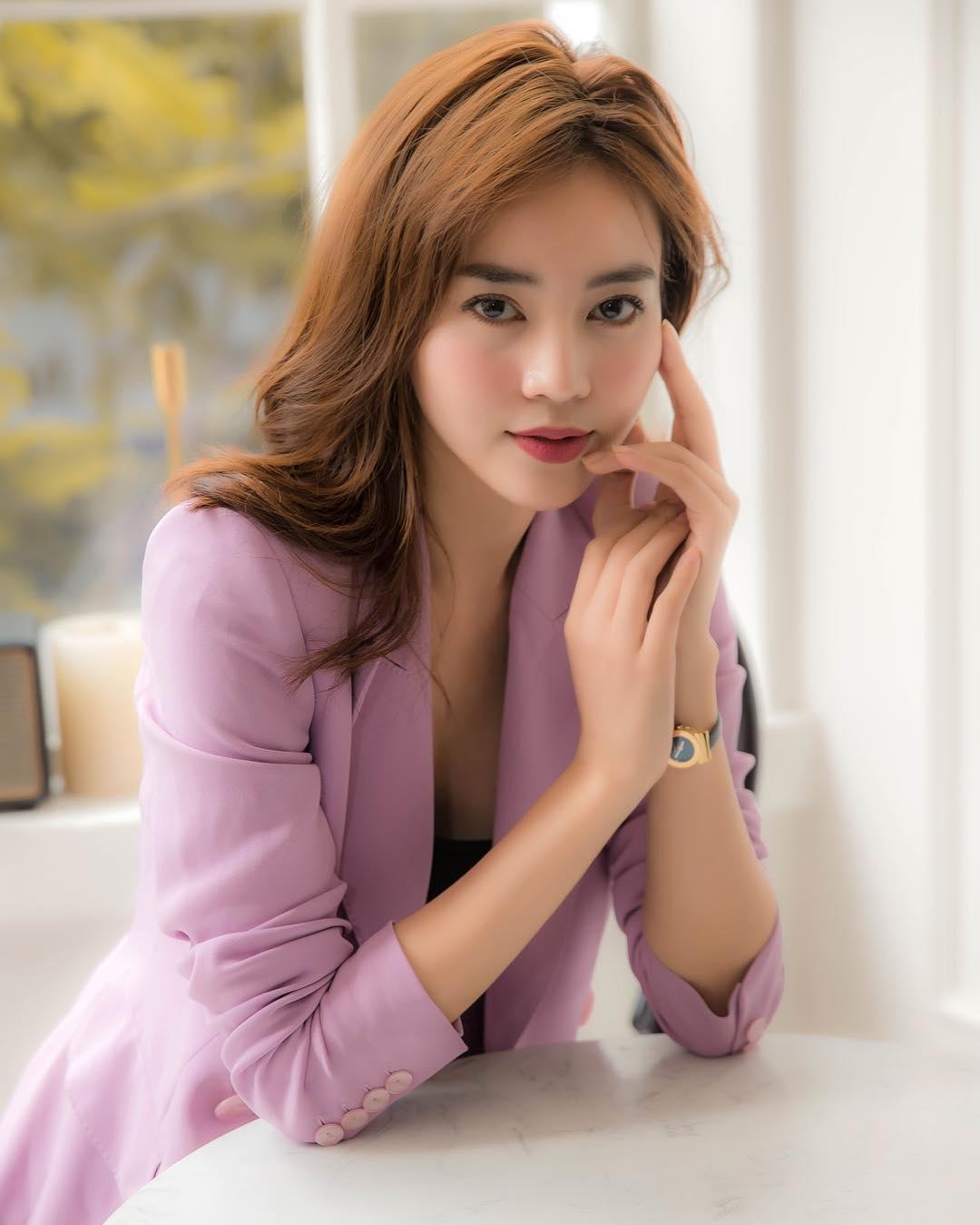 Ninh Dương Lan Ngọc chính thức gia nhập 'cuộc đua' gợi cảm của showbiz Việt - Ảnh 1