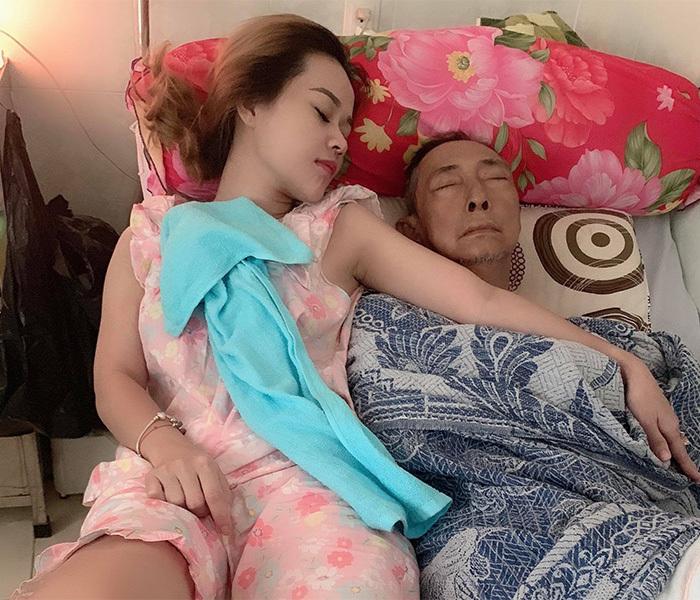 Rơi nước mắt trước tình cảm của nghệ sĩ Lê Bình và con gái út - Ảnh 2