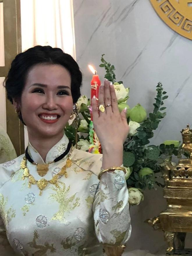 'Soi' quà cưới của sao Việt: Vợ sắp cưới của Cường Đô La khiến chị em ghen tị nhất - Ảnh 8