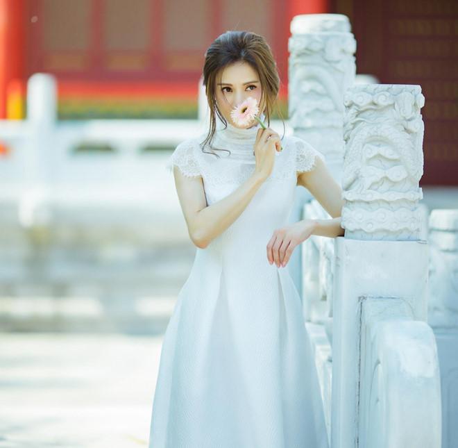 'Tiểu Long Nữ đẹp nhất màn ảnh' khoe nhan sắc tươi trẻ tuổi 46 - Ảnh 3