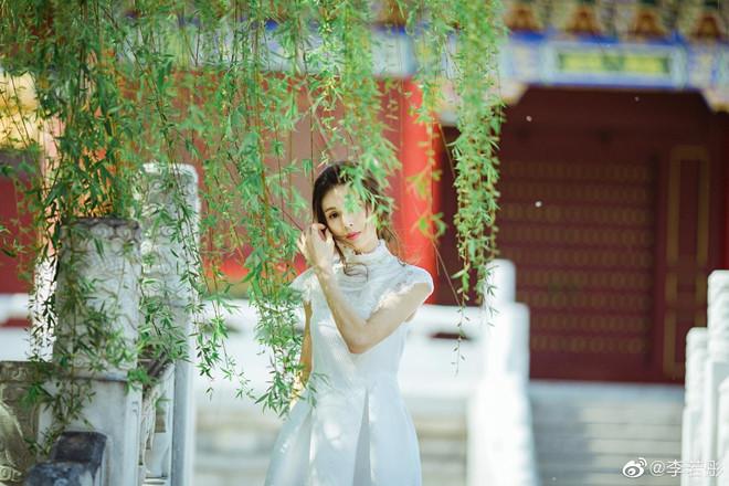 'Tiểu Long Nữ đẹp nhất màn ảnh' khoe nhan sắc tươi trẻ tuổi 46 - Ảnh 4