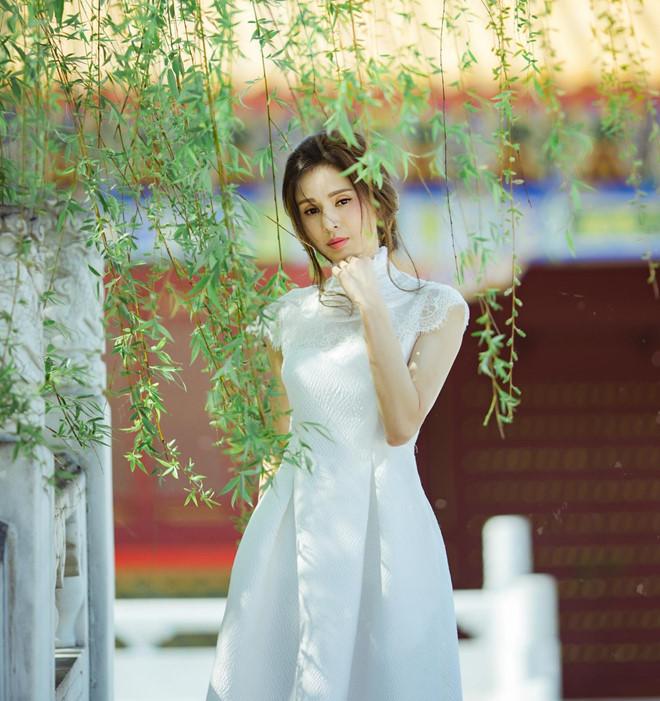 'Tiểu Long Nữ đẹp nhất màn ảnh' khoe nhan sắc tươi trẻ tuổi 46 - Ảnh 5