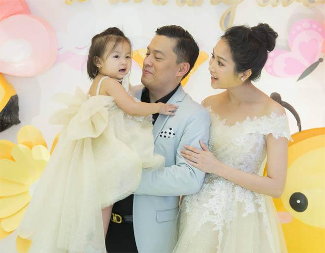 Vợ kém 17 tuổi của Lam Trường tủi thân, vất vả khi một mình chăm con ở Mỹ - Ảnh 8
