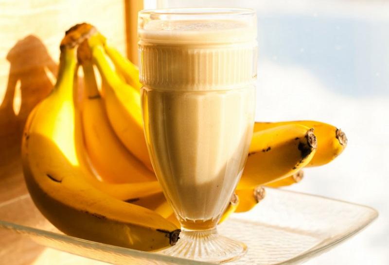 Ăn chuối uống sữa giúp giảm cân nhanh chóng.