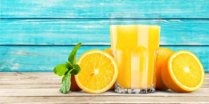 Giảm cân bằng cam còn giúp bạn có làn da mịn màng, sạch mụn