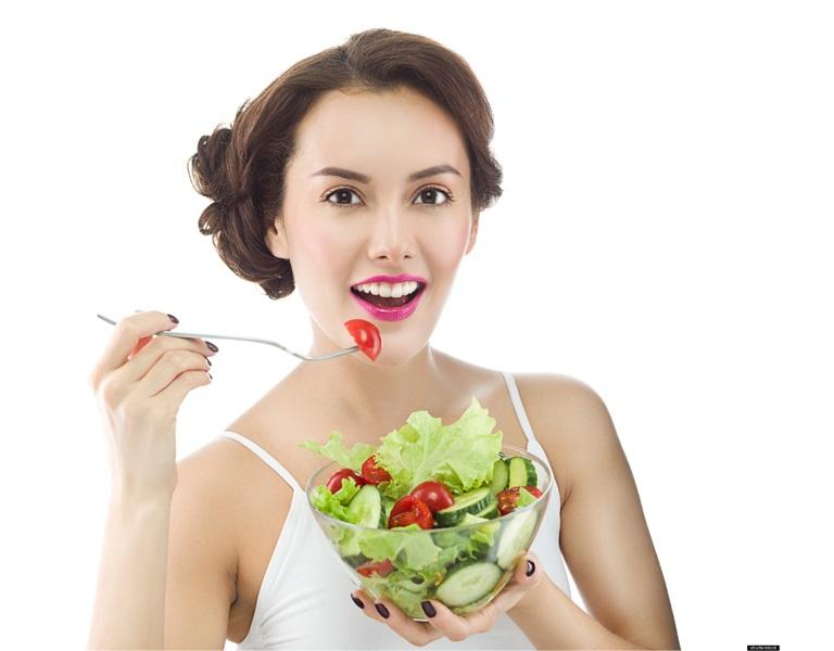Ăn chậm, nhai kỹ giúp bảo đảm sức khỏe, cải thiện vóng dáng, và giảm cân cấp tốc tại nhà