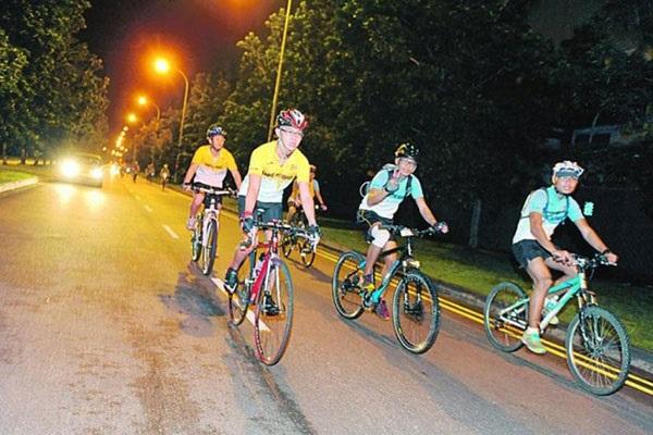 Đạp xe là cách hỗ trợ giảm cân đơn giản mà hiệu quả