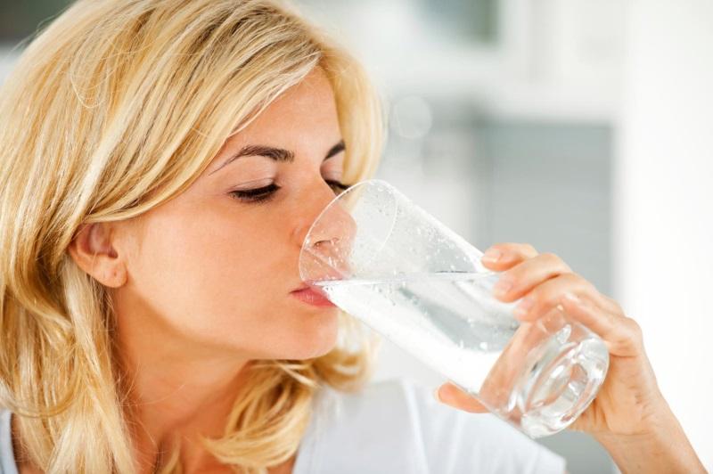 Bổ sung nước cho cơ thể ít nhất là từ 2 - 3 lít/ngày để có hiệu quả tốt nhất