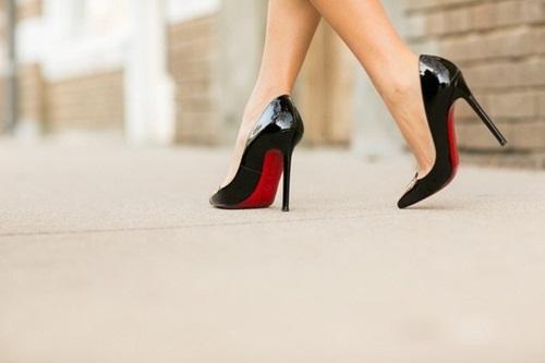 Đi giày cao gót suốt ngày mà không biết 10 mẹo này để không bị đau chân, phồng chân thì quá phí - Ảnh 6