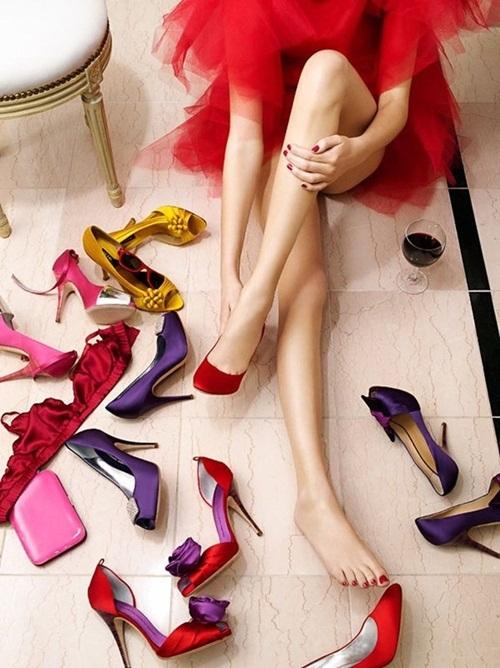 Đi giày cao gót suốt ngày mà không biết 10 mẹo này để không bị đau chân, phồng chân thì quá phí - Ảnh 5