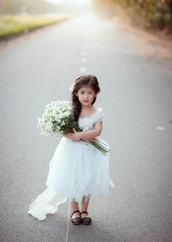 Vẻ đẹp của bé gái Hải Dương được coi như bản sao 'Thần tiên tỉ tỉ' Lưu Diệc Phi - Ảnh 3