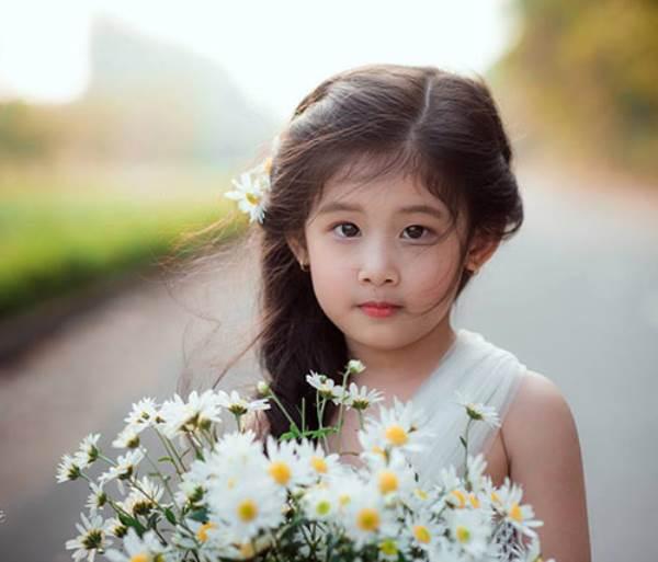 Vẻ đẹp của bé gái Hải Dương được coi như bản sao 'Thần tiên tỉ tỉ' Lưu Diệc Phi - Ảnh 5
