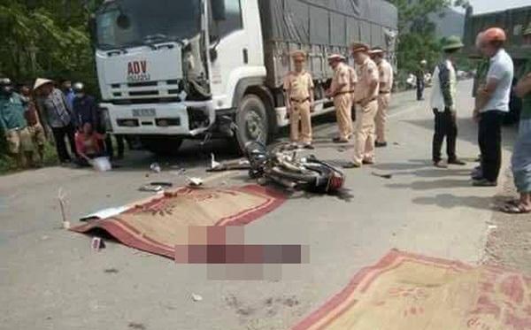 Va chạm với xe tải, 2 nam thanh niên tử vong tại chỗ - Ảnh 1