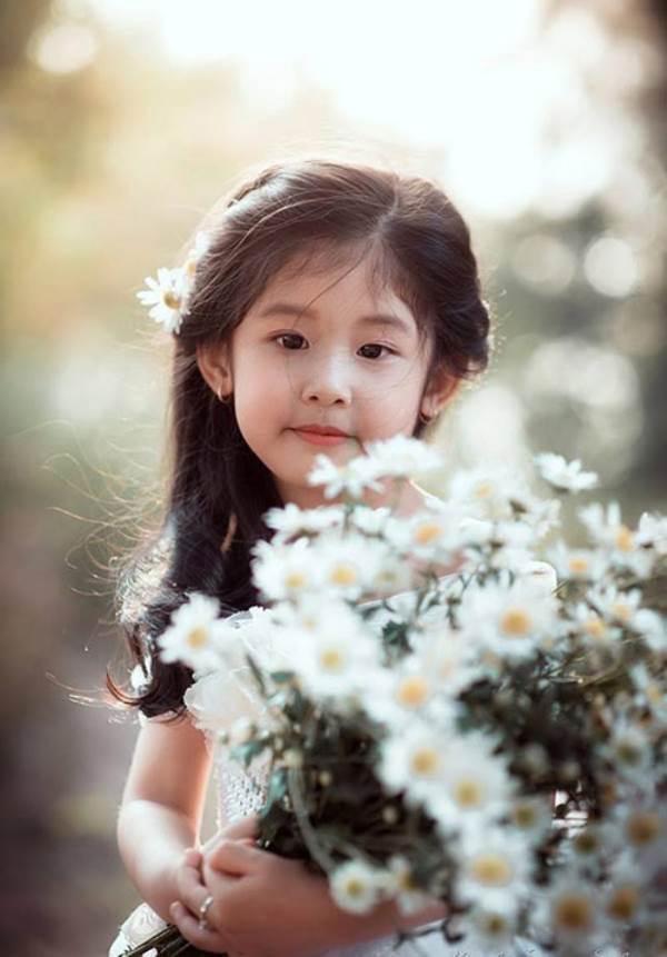 Vẻ đẹp của bé gái Hải Dương được coi như bản sao 'Thần tiên tỉ tỉ' Lưu Diệc Phi - Ảnh 6