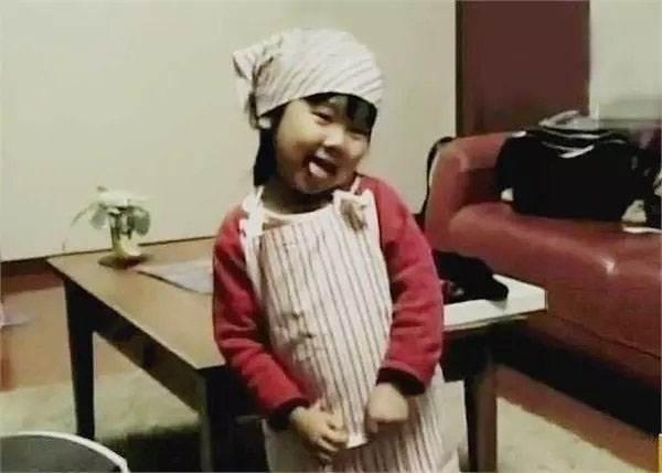 Rơi nước mắt lý do mẹ ép con 4 tuổi nấu ăn, làm việc nhà - Ảnh 7