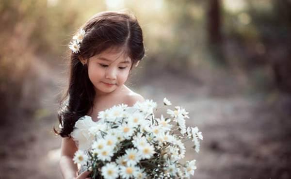 Vẻ đẹp của bé gái Hải Dương được coi như bản sao 'Thần tiên tỉ tỉ' Lưu Diệc Phi - Ảnh 7