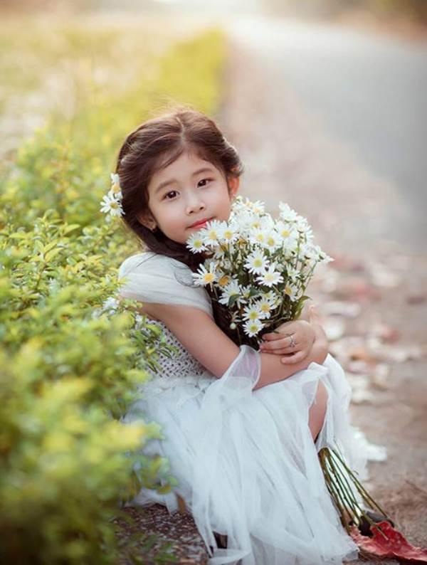 Vẻ đẹp của bé gái Hải Dương được coi như bản sao 'Thần tiên tỉ tỉ' Lưu Diệc Phi - Ảnh 8
