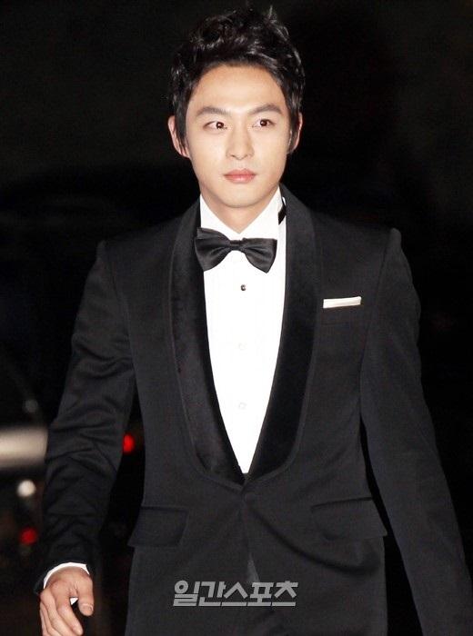 Em trai Ha Ji Won tự sát vì bị trầm cảm - Ảnh 1