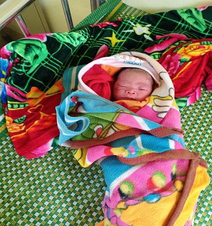 Nghệ An: Bé trai nặng 3,2kg chào đời bên vệ đường - Ảnh 3