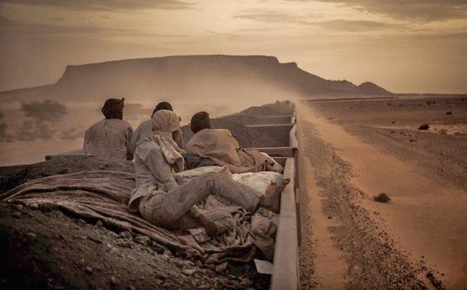 Cùng vượt sa mạc, 1 đoàn bỏ mạng còn 1 đoàn không chỉ sống sót mà còn kiếm được tiền: Câu chuyện đáng ngẫm - Ảnh 1