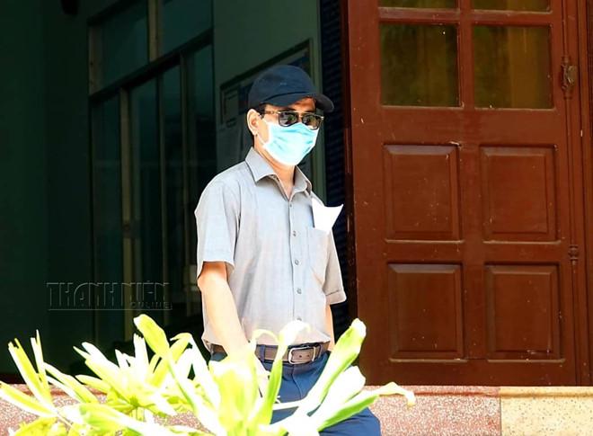 Vì sao Nguyễn Hữu Linh khai tên giả khi làm việc với gia đình bé gái bị dâm ô trong thang máy? - Ảnh 2