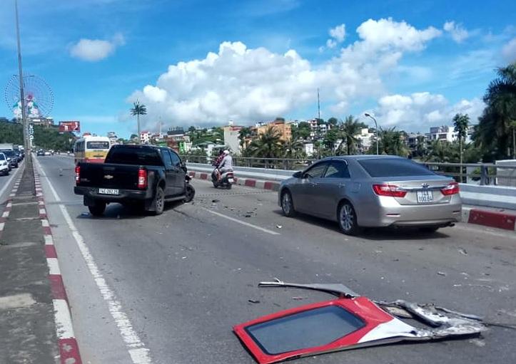 Xe khách mất lái gây tai nạn kinh hoàng trên cầu Bãi Cháy - Ảnh 5