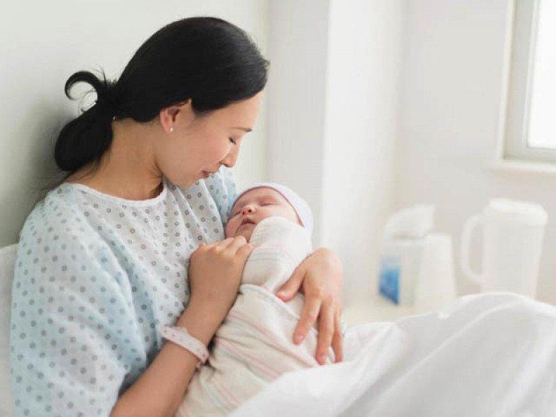 Từ 1/7/2020, sẽ tăng mức trợ cấp thai sản cho các cặp vợ chồng sinh con - Ảnh 1