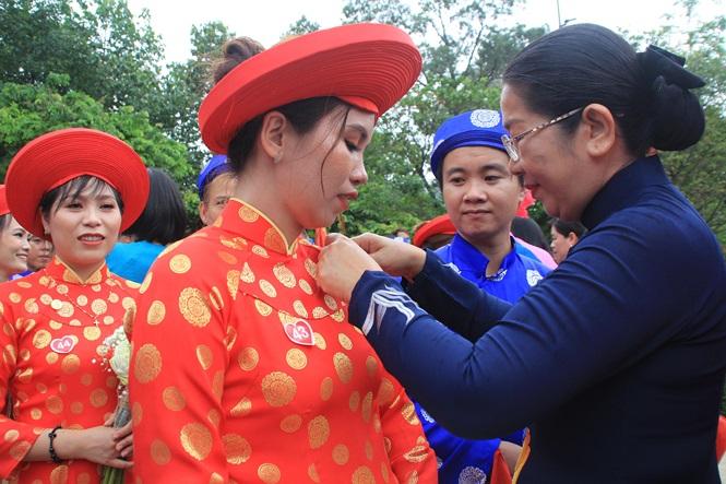 100 cặp cô dâu chú rể hạnh phúc trong lễ cưới tập thể ngày Quốc khánh - Ảnh 11