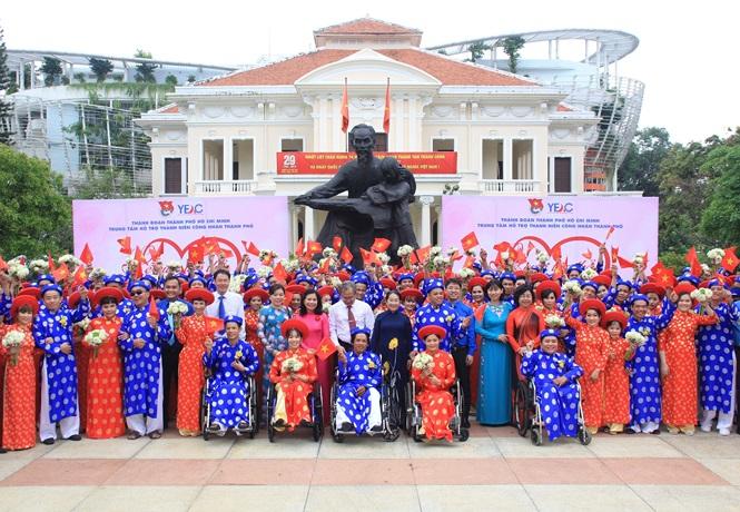 100 cặp cô dâu chú rể hạnh phúc trong lễ cưới tập thể ngày Quốc khánh - Ảnh 16