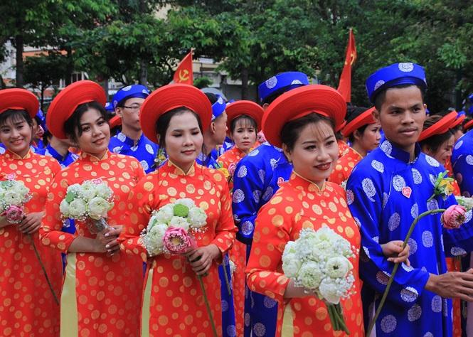 100 cặp cô dâu chú rể hạnh phúc trong lễ cưới tập thể ngày Quốc khánh - Ảnh 2