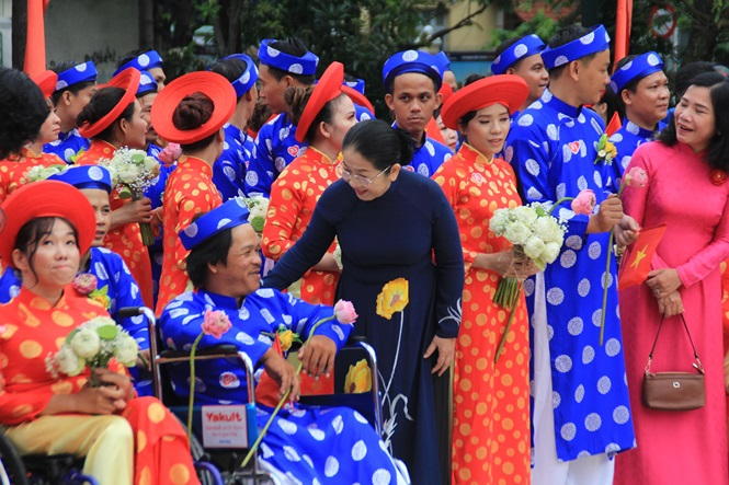 100 cặp cô dâu chú rể hạnh phúc trong lễ cưới tập thể ngày Quốc khánh - Ảnh 3